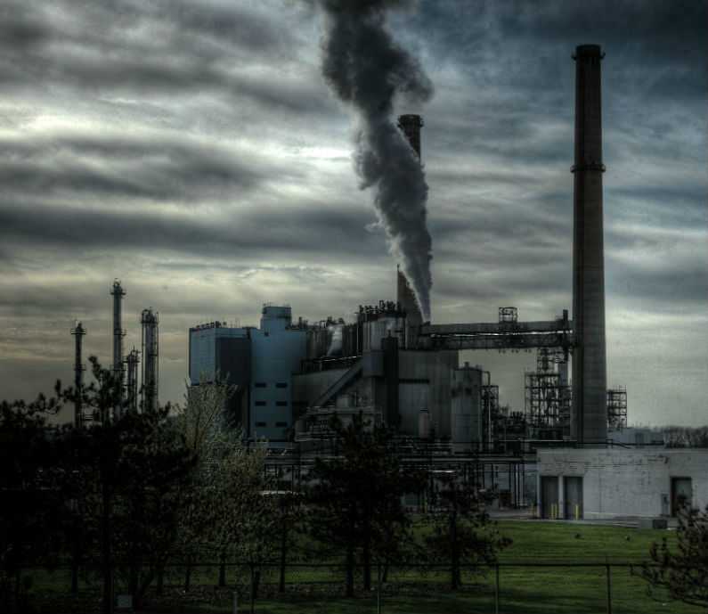 En ny bekendtgørelse vil give mulighed for at hemmeligholde udledning af farlige stoffer - i strid med Miljøoplysningsloven.